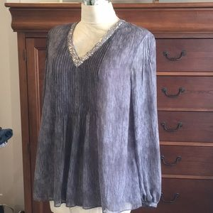 Silky top with sequins
